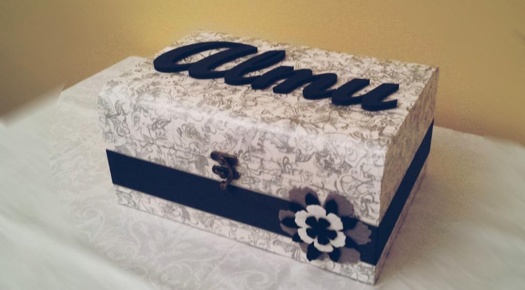 Caja de madera personalizada con nombre